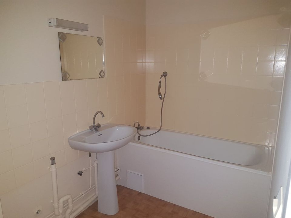 APPARTEMENT A ROMANS SUR ISERE 3/4